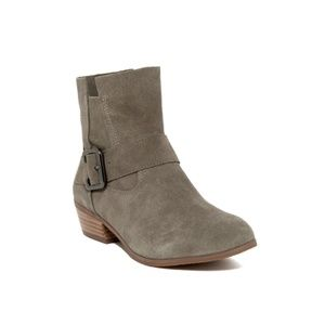 14th & UNION Jayda Ankle STONE SUEDE Boots